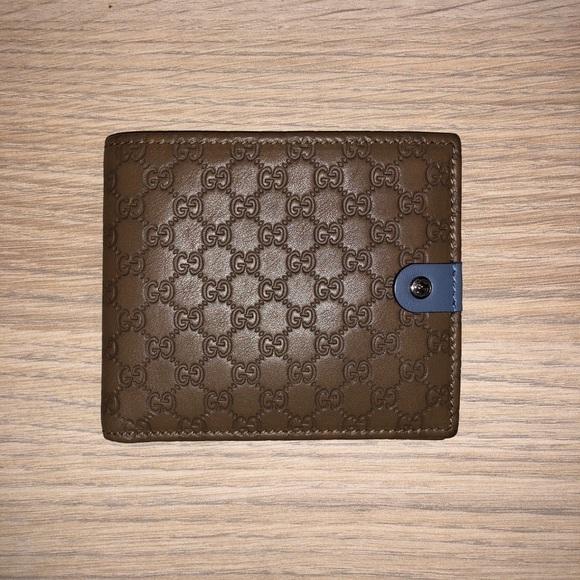 b82cd32a95b Gucci limited edition Bi-fold Wallet (Brand New). NWT